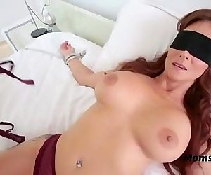 Blindfolded Mommy Thinks Its Her Hubby 4 min HD