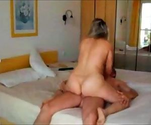 Curvy cheating wife fucked on real homemade sex tape