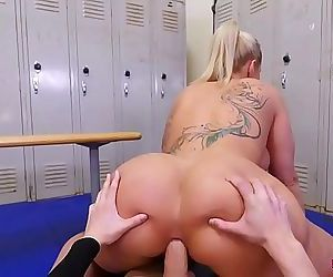 Anal lover MILF Ryan Conner got a little pervert in the locker room 5 min 720p